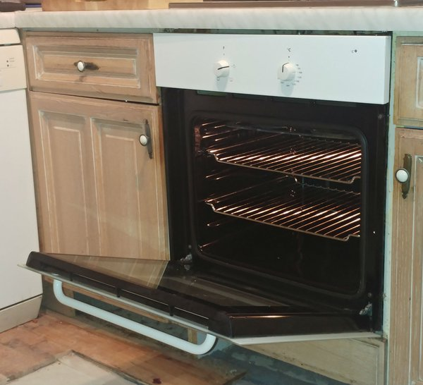 Electric single phase oven