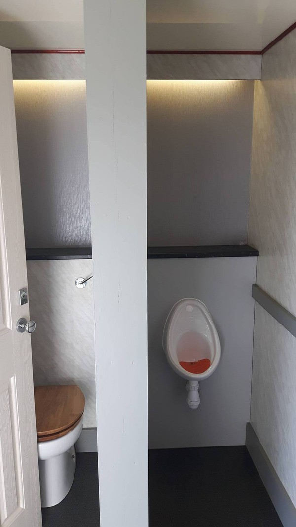 4+1 Toilet Trailer Unit