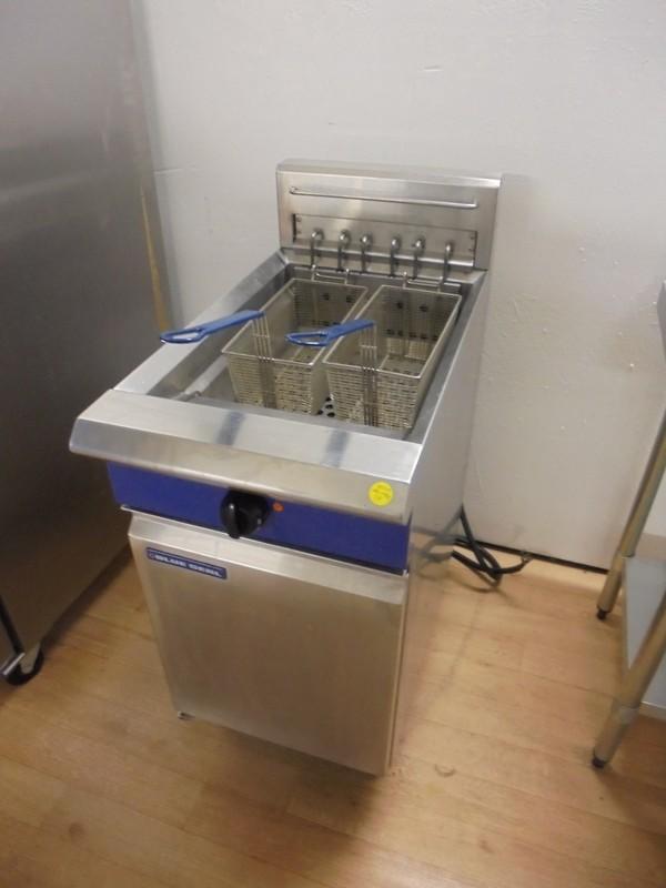 Blueseal Freestanding Double Fryer (5489)