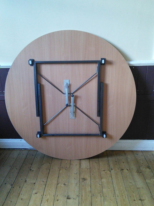 Secondhand table with folding legs UK