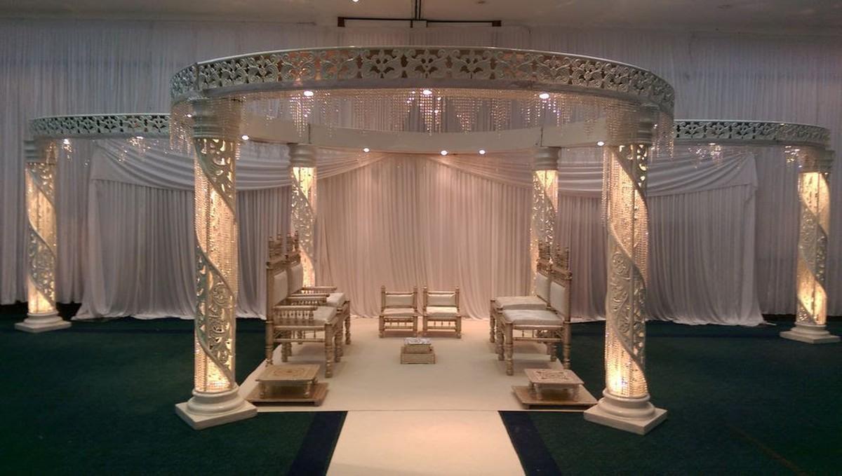 Secondhand prop shop wedding arch zali crystal mandap leicester full 6 pillar zali crystal mandap junglespirit Choice Image
