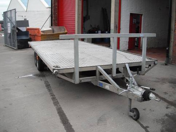 1989 Bateson 20ft flatbed trailer