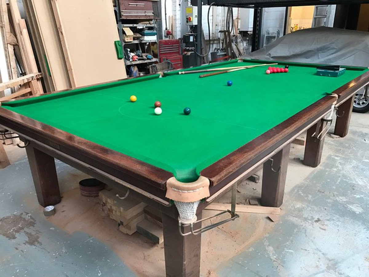 Secondhand Pub Equipment Pool And Snooker Tables