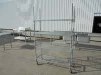 Commercial shelving unit