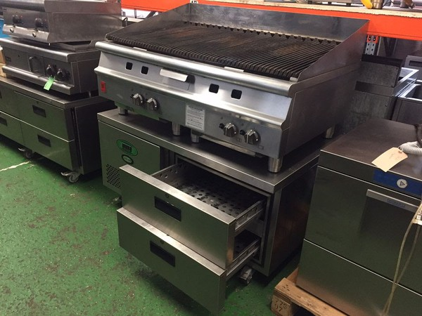 Char grill with fridge drawers