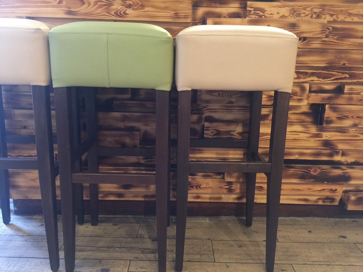 secondhand pub equipment bar stools 11x almost new stools southend on sea essex. Black Bedroom Furniture Sets. Home Design Ideas