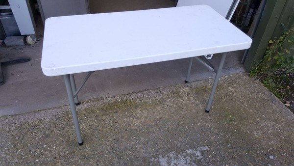 Banquet table for sale