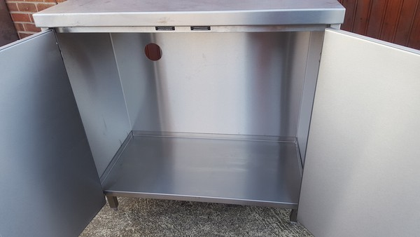 Stainless Steel Centre Island / Preparation Table