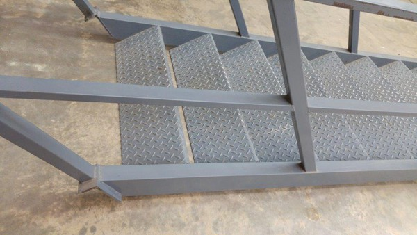 Secondhand stairs for mezzanine for sale