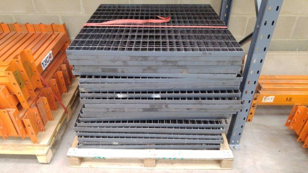 Secondhand steel grid flooring