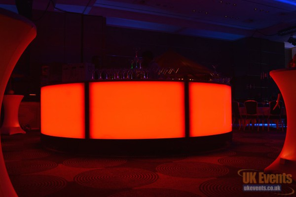 Illuminated 4m LED Bar