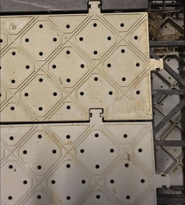 Cassette flooring