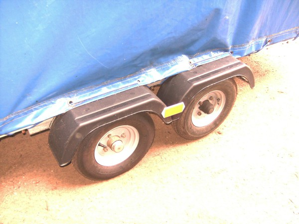 twin wheel box trailer