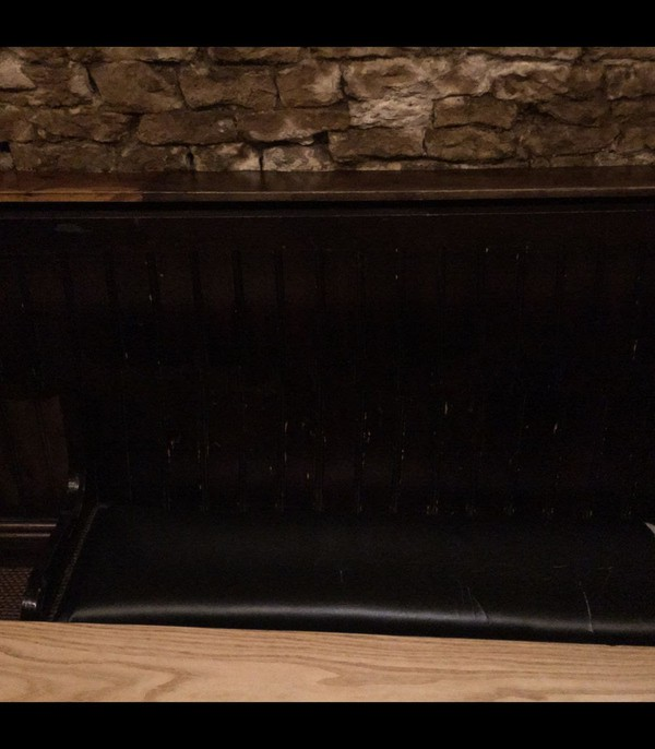 3m Pub / Church Pew