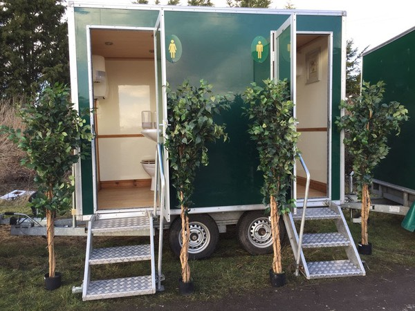 Luxury toilet trailer