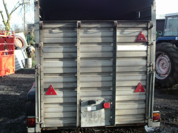 10' ifor williams livestock trailer