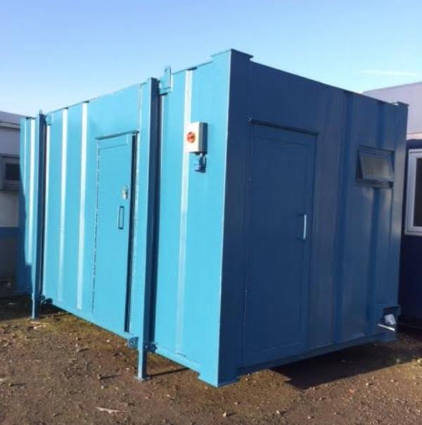 16x9 toilet cabin