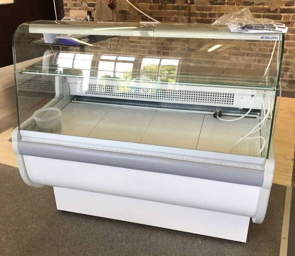 Igloo Slimline Counter Display Fridge