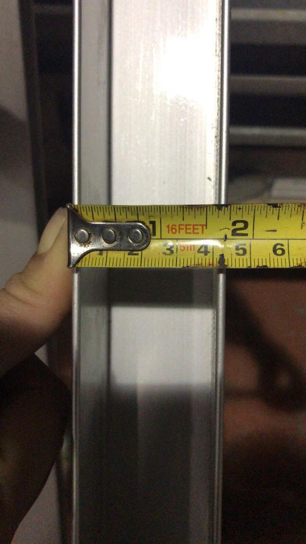 Leg joining aluminium profile