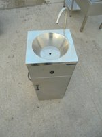 Odyssey 1000 stainless steel mobile hand sink