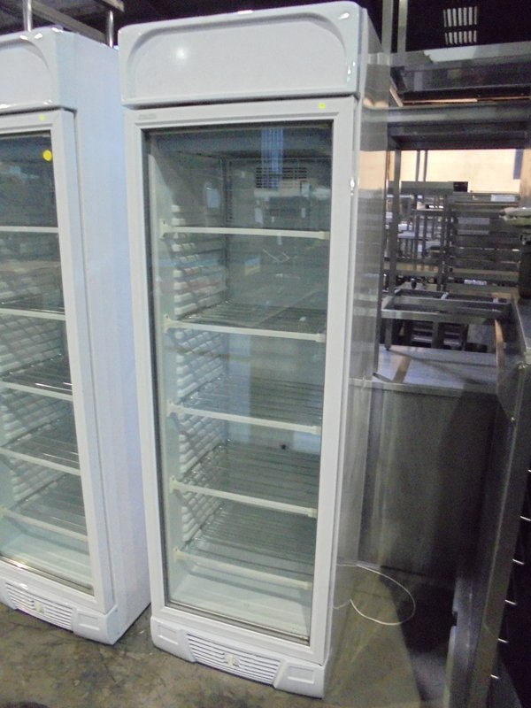 New B Grade Stirling Pro VF372 White Upright Single Glass Door Display Freezer