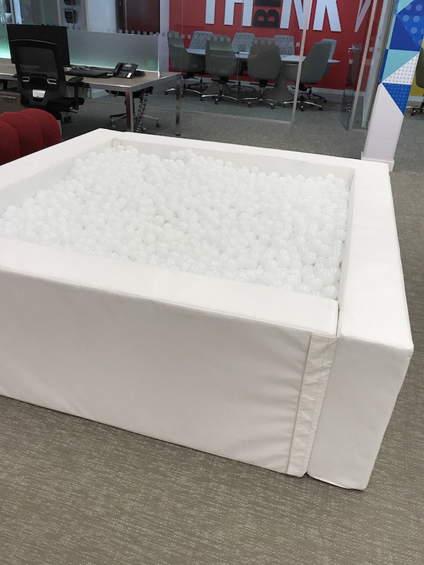 2m x 2m x 60cm White Ball Pit with 6,500 White 5.5cm Balls