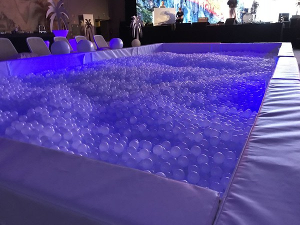 30,000 x 5.5cm White Plastic Balls for Ball Pit