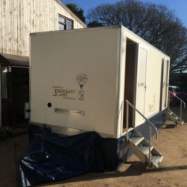 Luxury toilet trailer for sale