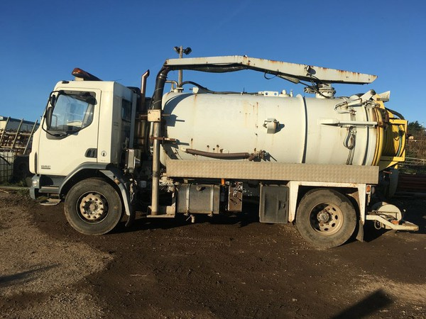 Vacuum tanker for sale