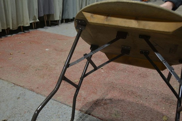 Used round tables