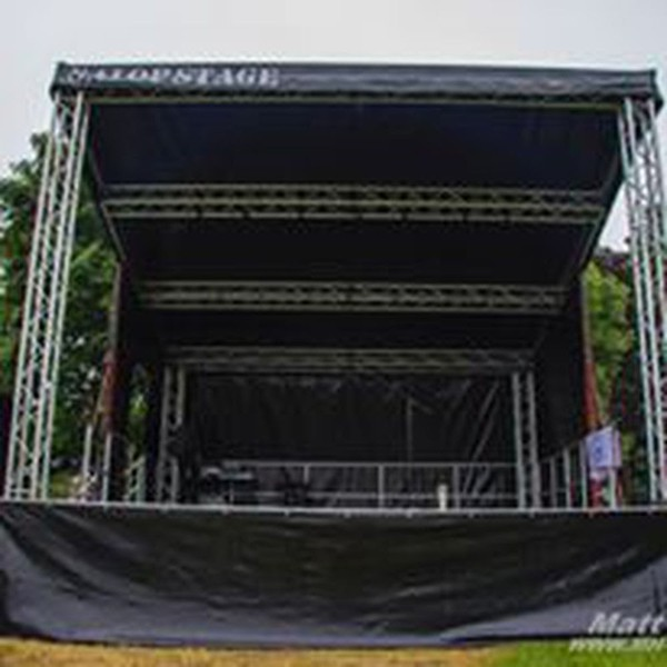 Motorised 6m x 6m Trailer Stage