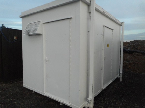 Anti vandal portable toilet