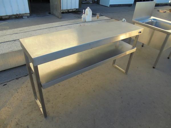 Heated gantry shelf