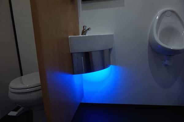 10' x 6' Oak 2+1 Fresh/Grey Water Flush Mobile Toilet