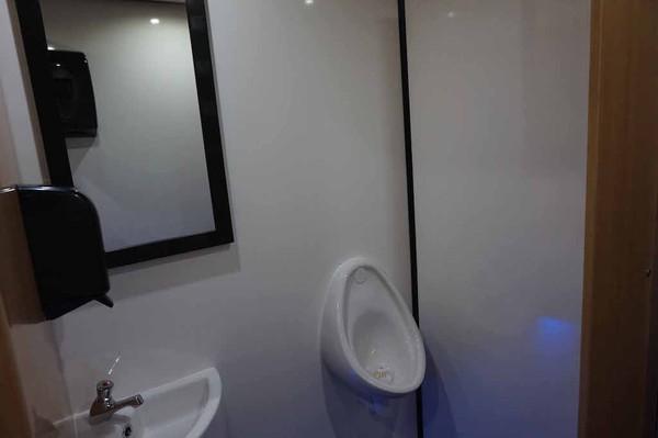 10' x 6' Oak 2+1 Fresh/Grey Water Flush Mobile Toilet Unit