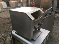 Commercial conveyer toaster