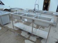 Triple bowl sink