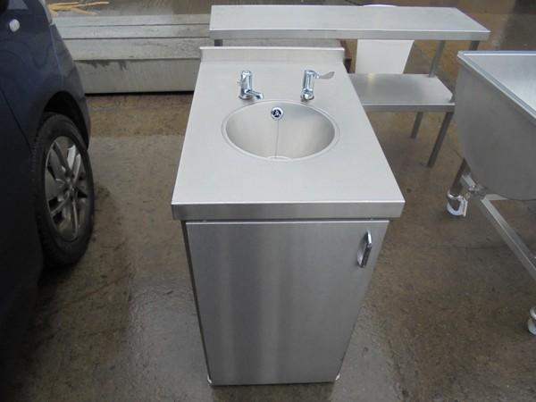 Used Stainless Steel Freestanding Hand Sink Cabinet (6100)