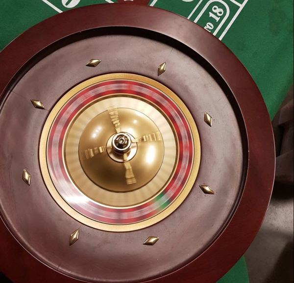 Used roulette set