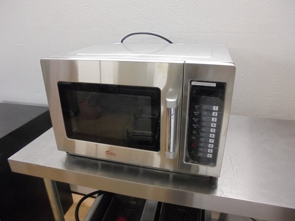 Valera 1AAVMC1880 1800 Watt Heavy Duty Programmable Microwave