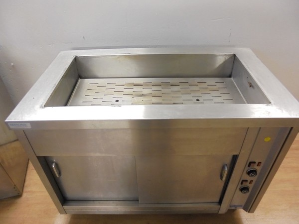 Dry well bain marie on wheeled hot cupboard