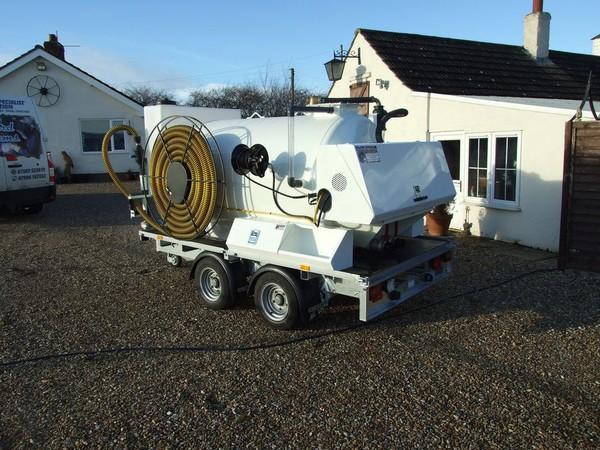 3000 Litre Vacuum Tanker trailer mounted