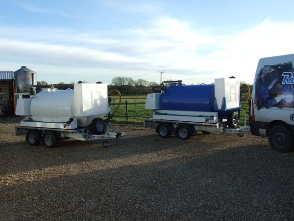 3000 Litre Vacuum Tanker with 400 litre clean water tank