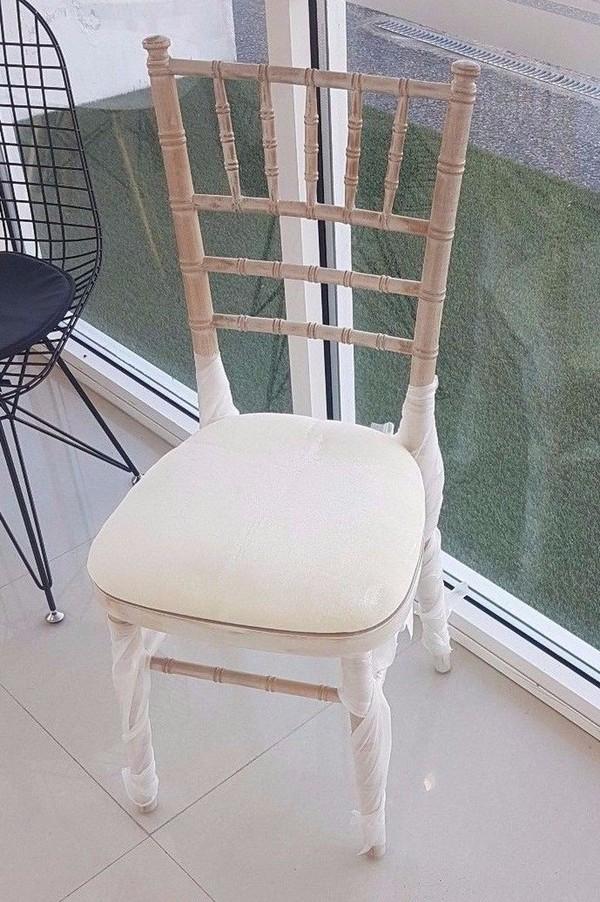 300x Brand New Limewash Chivari Chiavari Banqueting Chairs With Light Cream Coloured Seat Pad