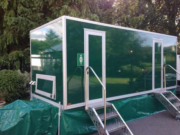 Excellent condition toilet trailers for sale