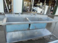 Deep double catering sink - Pot washing