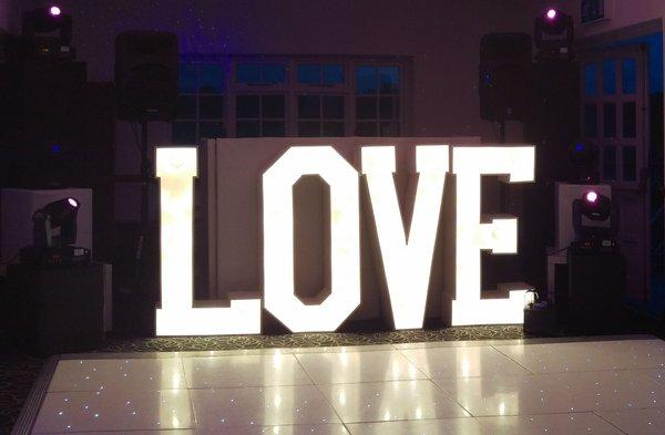 """Wedding """"love"""" illuminated"""