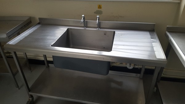 Commercial single bowl sink
