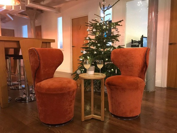 Secondhand swivel chairs