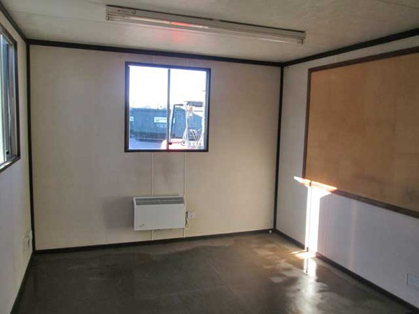 Site office with heating